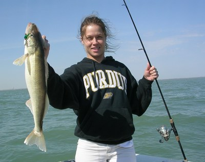 Lake erie jig fishing for walleye is on fire for Maumee river fishing report